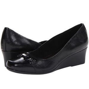 New LifeStride Women's Galso Wedge Pump Black 6M